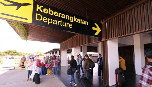 Foto Terdampak Aktivitas Gunung Agung, Dua Bandara Jatim Ditutup