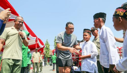 Foto Pelindo III dan TNI Gelar Aksi Baksos