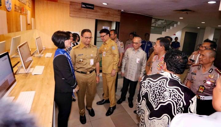 Foto Berita Anies Kejar Pajak Kendaraan Lewat e-Samsat