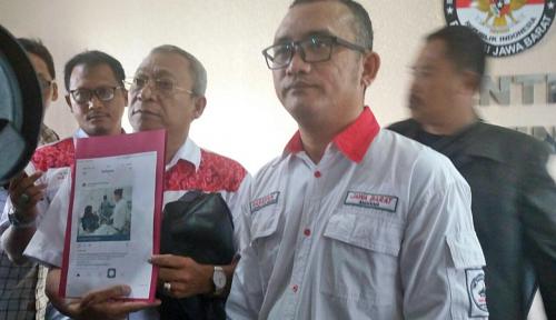 Foto Tim Advokasi Hasanah Laporkan Dugaan Kampanye Paslon Asyik