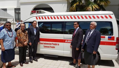Foto Peduli Samoa, Indonesia Kirim Dua Ambulans
