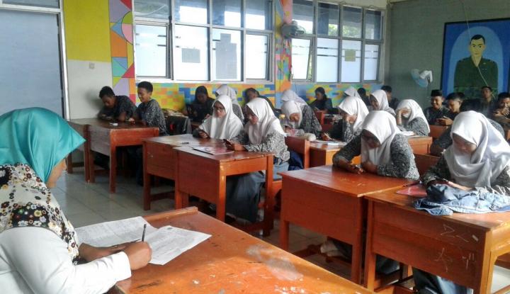 Foto Berita Peringati Hari Guru, Pemkab Garut Siapkan Rp30 Miliar untuk Gaji Guru Honorer