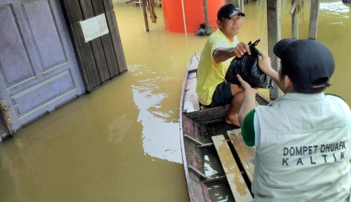 Foto Berita Dompet Dhuafa Salurkan Logistik bagi Korban Banjir
