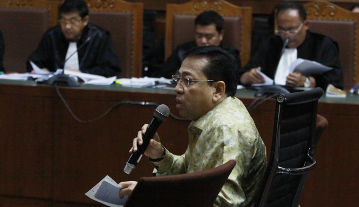 Foto Berita Bacakan Nota Pembelaan, Novanto Bantah Bagi-bagi Fee Ditentukan Dirinya
