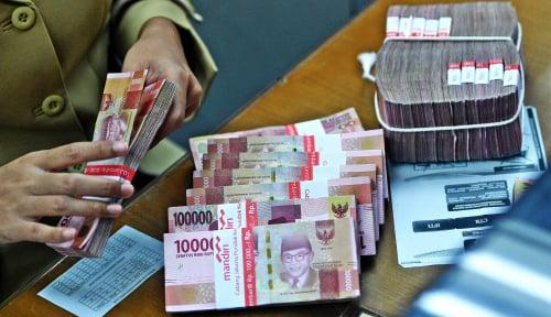 Jumat Siang: Rupiah Dibuang-Buang Ketika Dolar AS Disayang-Sayang