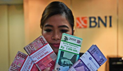 Foto Dana Masyarakat di Bank Umum Naik 0,38%