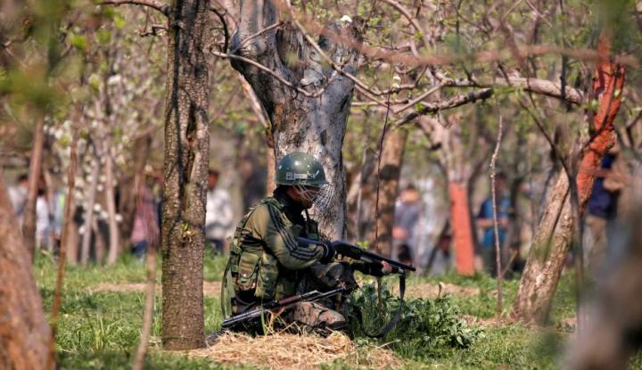 Foto Berita Kashmir Membara, Baku Tembak Militer-Militan Tewaskan Puluhan Orang