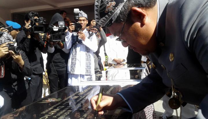 Foto Berita Gubernur Jabar Resmikan Tiga Proyek Pembangunan di Sukabumi