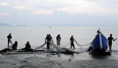 Foto Nelayan Temukan Jasad Bocah Tenggelam di Laut