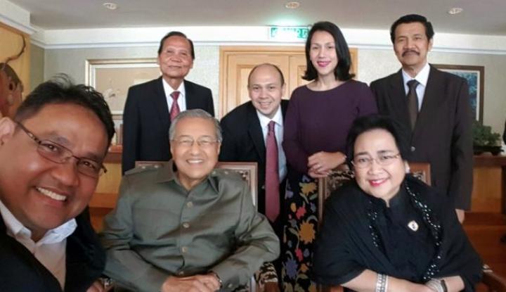 Foto Berita Innalillahi, Suami Rachmawati Meninggal Dunia