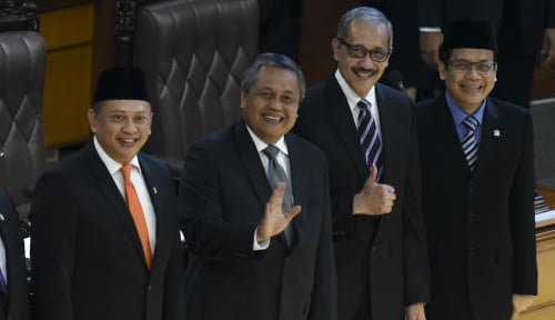 Foto Ketua DPR Percaya Kemampuan Perry Warjiyo