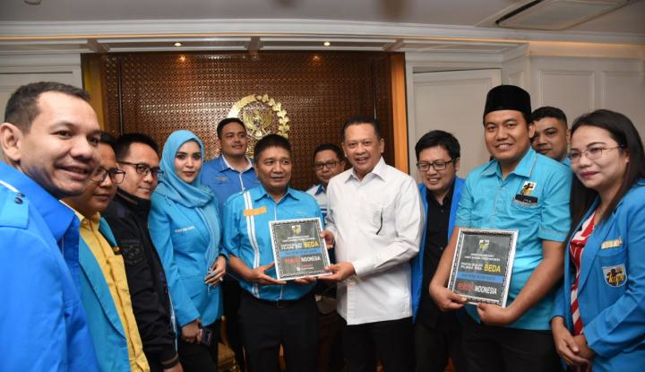 Foto Berita KNPI Terbelah, Bamsoet Bakal Undang Menpora ke DPR