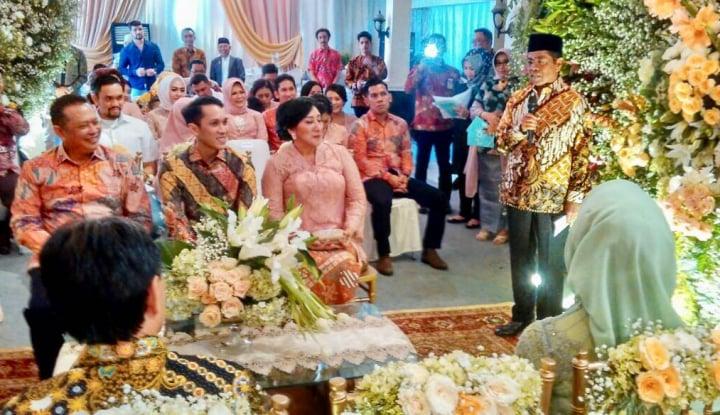 Foto Berita Anak Lamaran, Bamsoet Percayakan Idrus Jadi Wakil Keluarga