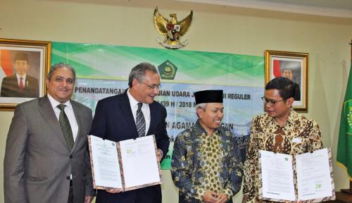 Foto Garuda Indonesia Siapkan 14 Pesawat Antar-Jemput Jemaah Haji