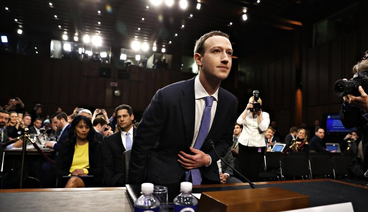 Foto Berita Sukses Beri Kesaksian di Kongres, Mark Zuckerberg Bikin Saham Facebook Naik lagi