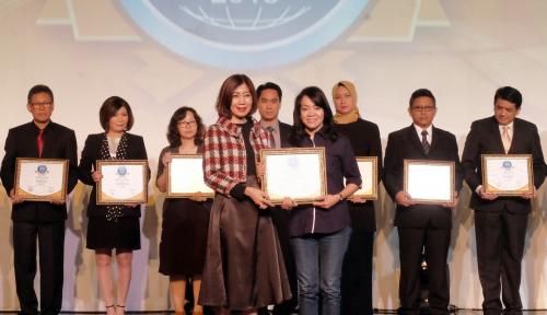 Foto Asuransi Astra Dulang Penghargaan Contact Center Service Excellence