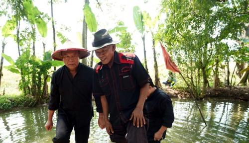 Foto Peduli Petani, Kang Hasan Sinergikan Program Jokowi