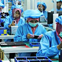 Kinerja Manufaktur Singapura Masuk Jurang, Vietnam Mengudara
