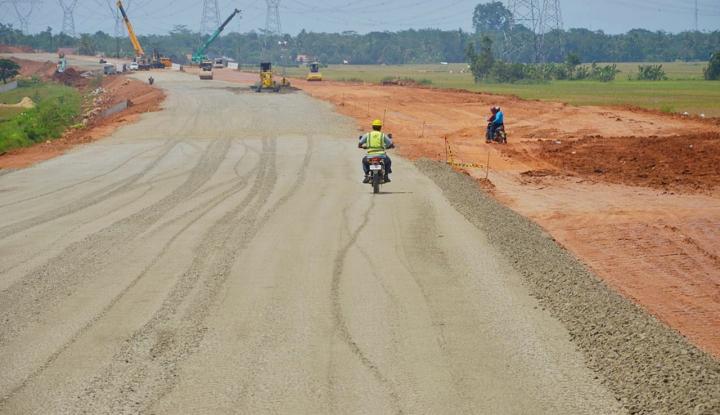 Foto Berita Ruas Tol Brebes Timur-Semarang Ditarget Bisa Digunakan Mudik 2018