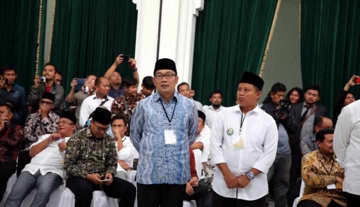 Foto Berita Quick Count Pilgub Jabar, Ridwan Kamil-UU Ungguli Paslon Lain