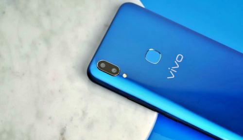 Foto 3 Fitur Ini Jadi Unggulan Vivo V9 Cool Blue Limited Edition