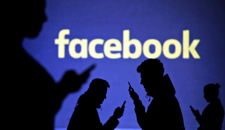 Foto Berita Terlibat Skandal Data, Pengguna Facebook Malah Naik