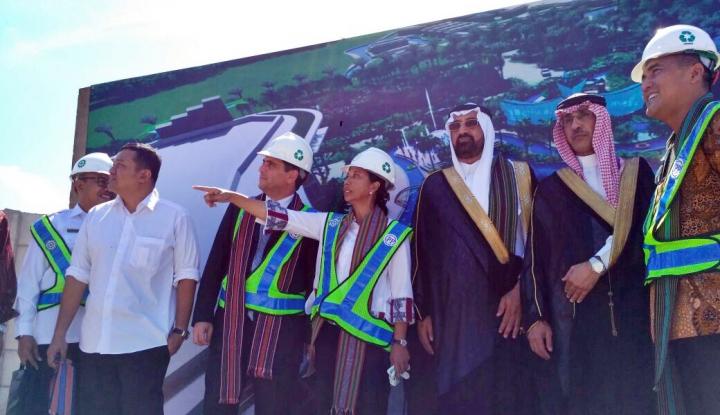 Foto Berita Menteri Rini Lakukan Groundbreaking Pembangunan Resort Bertaraf Internasional di The Mandalika