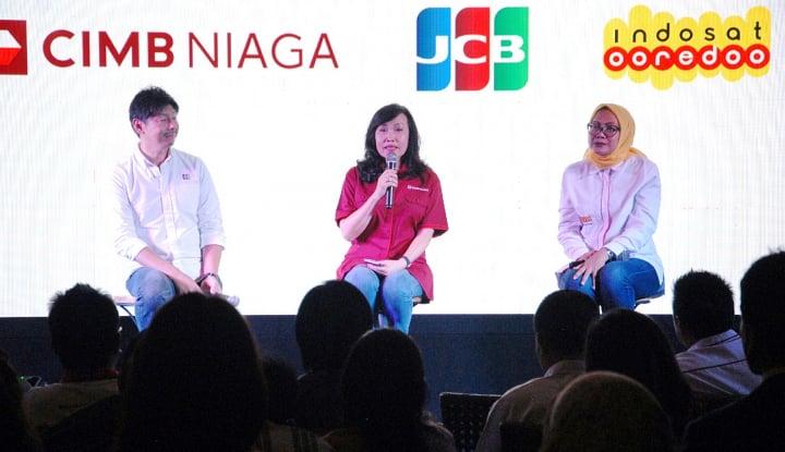 Foto Berita CIMB Niaga-Indosat Luncurkan CIMB Niaga Indosat Ooredoo Card