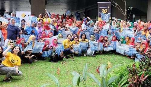 Foto Bank Commonwealth Adakan Pelatihan Tie Dye Shibori