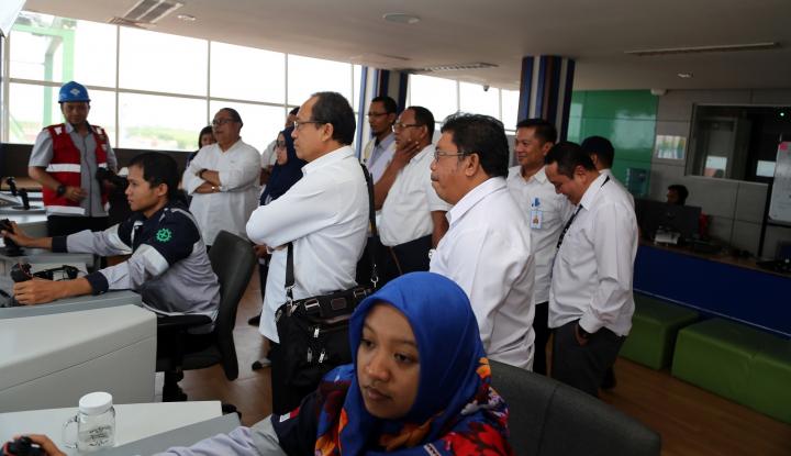 Foto Berita Pelindo IV Mulai Lirik Trik Gaya Bisnis Jasa Pelindo III