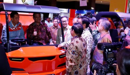 Foto Kunjungi Pameran Otomotif di Kemayoran, Jokowi Mau Beli Motor Lagi?