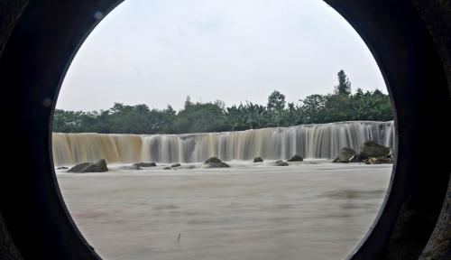 Foto Penanganan Tanggul Bekasi, Birokrasi Masih Hitung-hitungan soal Dana Perbaikan