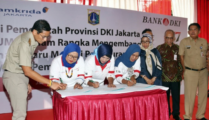 Foto Berita Sinergi dengan OK OCE, Bank DKI Gelar Akad Kredit Massal