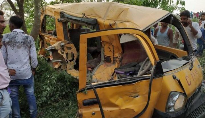 Foto Berita Inallilahi! Bus Jatuh ke Jurang Tewaskan 55 Orang