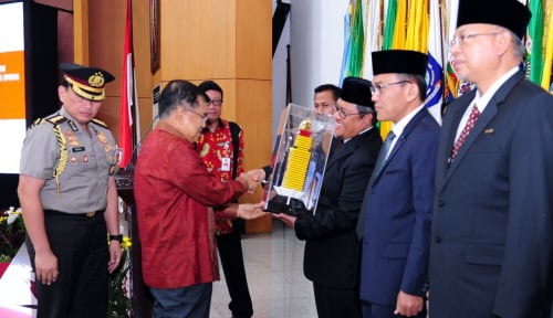Foto JK Harap Prestasi Kepala Daerah Jadi Percontohan Provinsi Lain