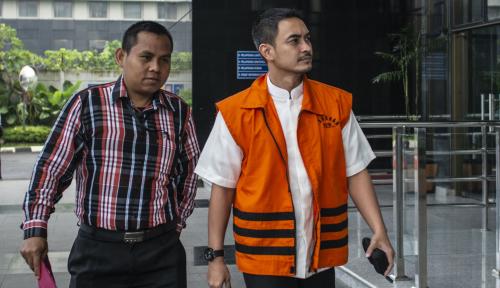 Foto KPK Perpanjang Penahanan Gubernur Ganteng