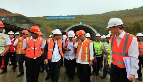 Foto BIJB Sudah Mulai Beroperasi, Pembangunan Tol Cisumdawu Dikebut