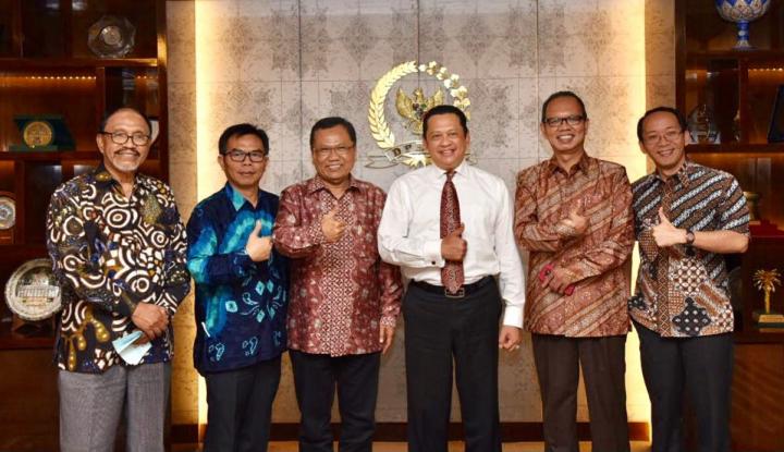 Foto Berita Temui Pengurus PWI, Bamsoet Janji Perjuangkan RUU Medsos
