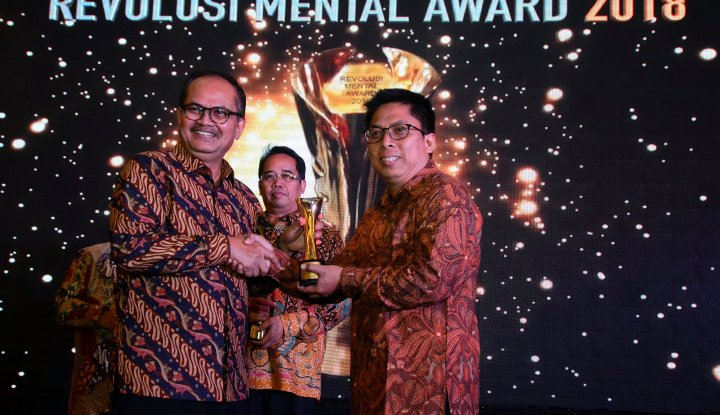 Foto Berita Pelindo III Raih Gold Winner di Ajang Revolusi Mental Award 2018
