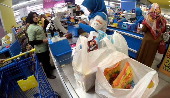 Panic Buying Buat Investor Borong Saham Pemilik Hypermart dan Ramayana - Warta Ekonomi