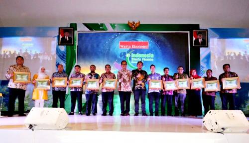 Foto 52 Perusahaan Peraih Indonesia Sharia Award 2018