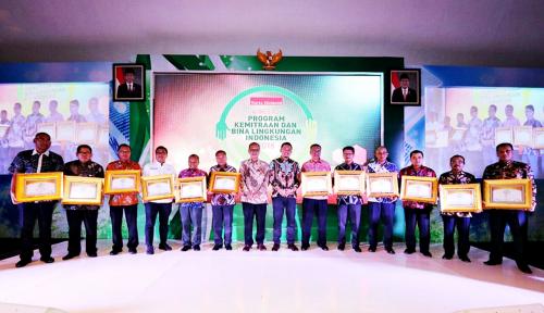 Foto Konsisten Jalankan PKBL, 57 BUMN Ini Raih Penghargaan