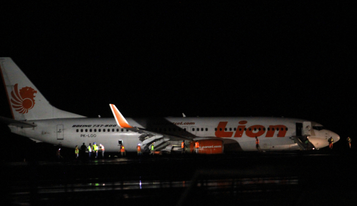 Foto Berita Imbas Pesawat Tergelincir, 14 Penerbangan Lion Group Alami Pembatalan