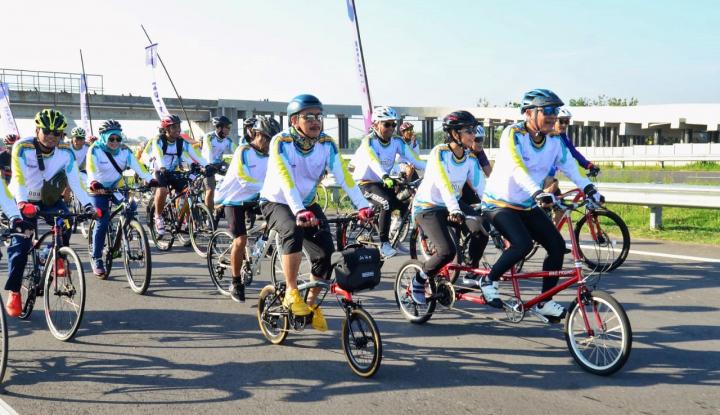 Foto Berita Ribuan Peserta Ramaikan Tour De Tjolomadoe