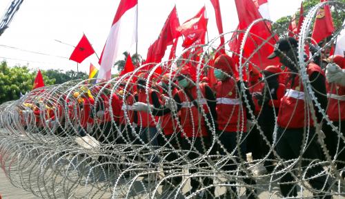 Foto UMK Bekasi Hampir Rp4 Juta, Walikota: Investasi Dijamin