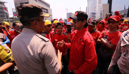 Foto Buruh Gugat UU MD3 di MK