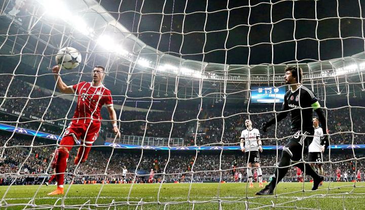 Foto Berita Bantai Benfica,  Muenchen Lolos 16 Besar