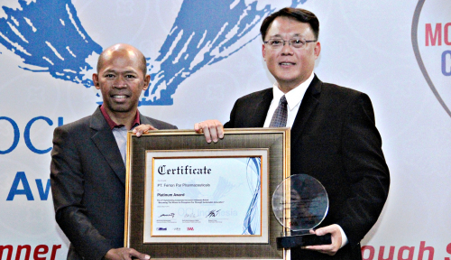 Foto Jadi Market Leader di UK, Ferron Raih Platinum Award