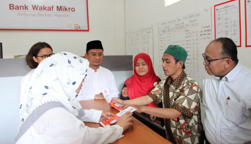 Foto Astra Resmikan Bank Wakaf Mikro Ketiga di Jambi