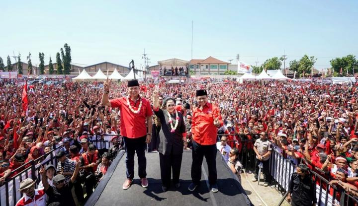 Foto Berita Turun Gunung, Megawati Minta Masyarakat Jabar Tak Salah Pilih